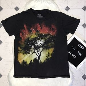 Apt. 9 nature in the night short sleeve tee size L